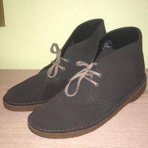 Men's Clarks Crepe Sole Boots